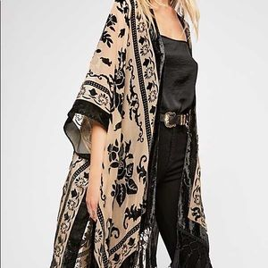 Free people balck and white flower cape